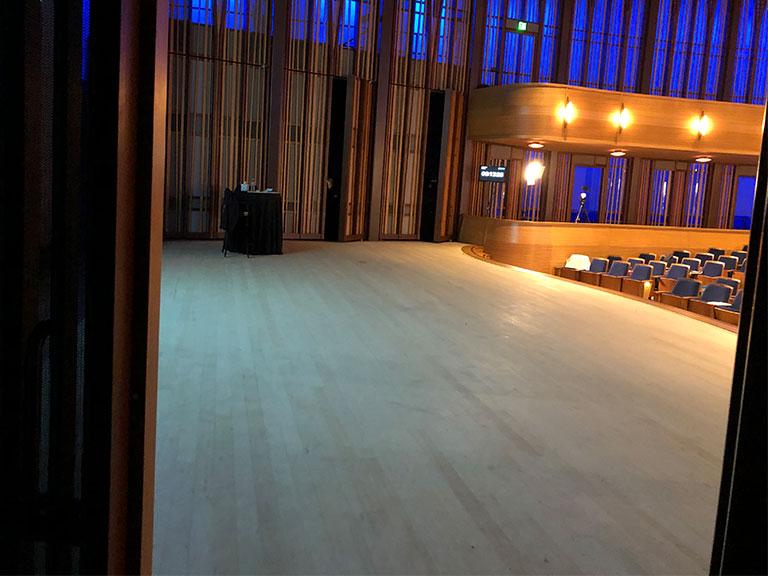 Curtain3 1